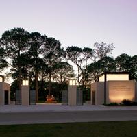 Sydney and Walda Besthoff Sculpture Garden