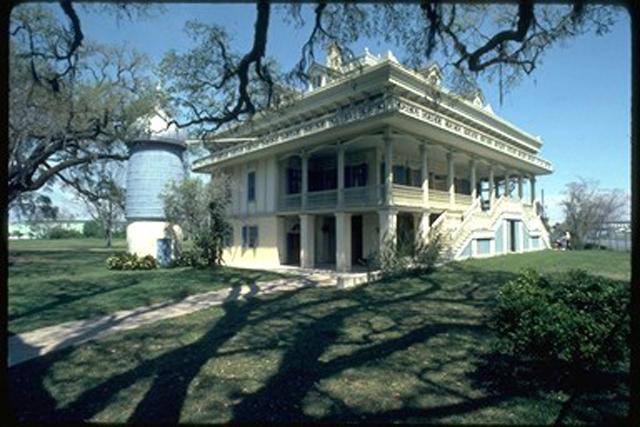San Francisco Plantation New Orleans Attraction