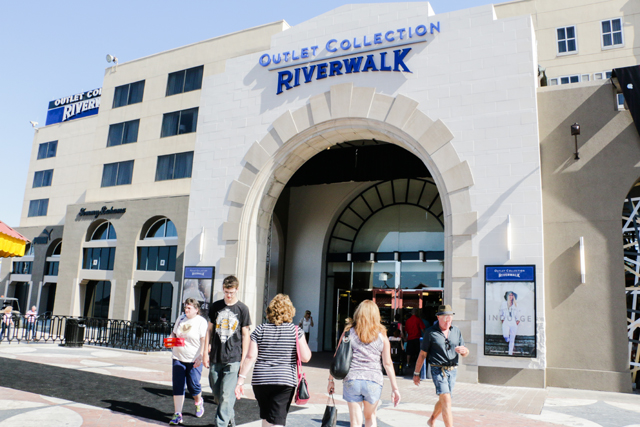 Featuring national retailers for the first time in New Orleans, shoppers can indulge in all of their favorite brands at The Outlet Collection at Riverwalk.