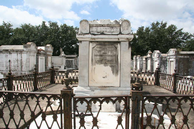 Lafayette Cemetery No 1 New Orleans Attraction