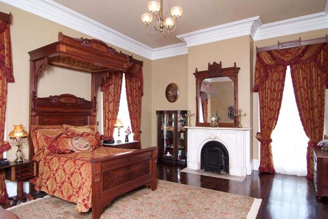 Rooms: Nottoway Plantation