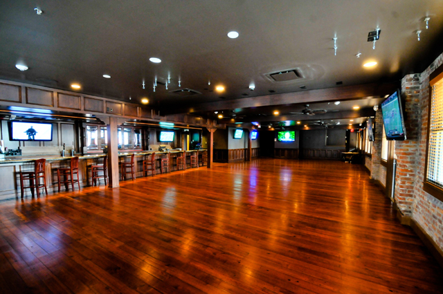 new orleans sports bars la vie orleans private tours. Black Bedroom Furniture Sets. Home Design Ideas