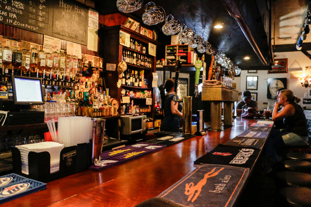 Hotels In New Orleans >> The Crown and Anchor English Pub | New Orleans | Nightlife Venue
