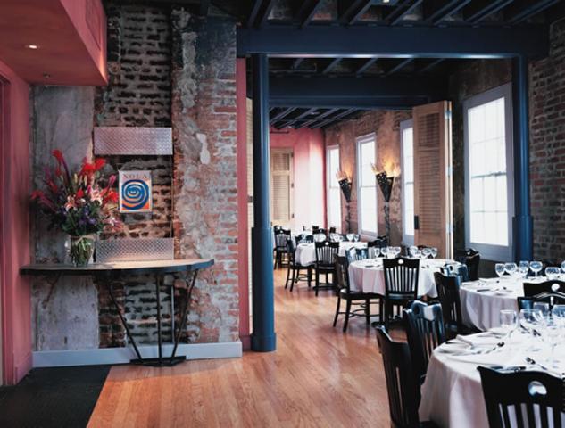 Nola New Orleans Restaurant
