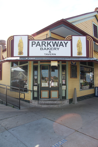 Parkway bakery and tavern new orleans restaurant for Parkway new orleans